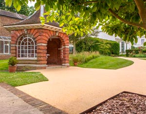 New Driveway Company, New Driveways Oxford New Driveways Reading New Driveways Swindon New Driveways Newbury New Driveways Peterborough New Driveways Cardiff New Driveways North London New Driveways South London New Driveways Chiswick New Driveway High Wycombe