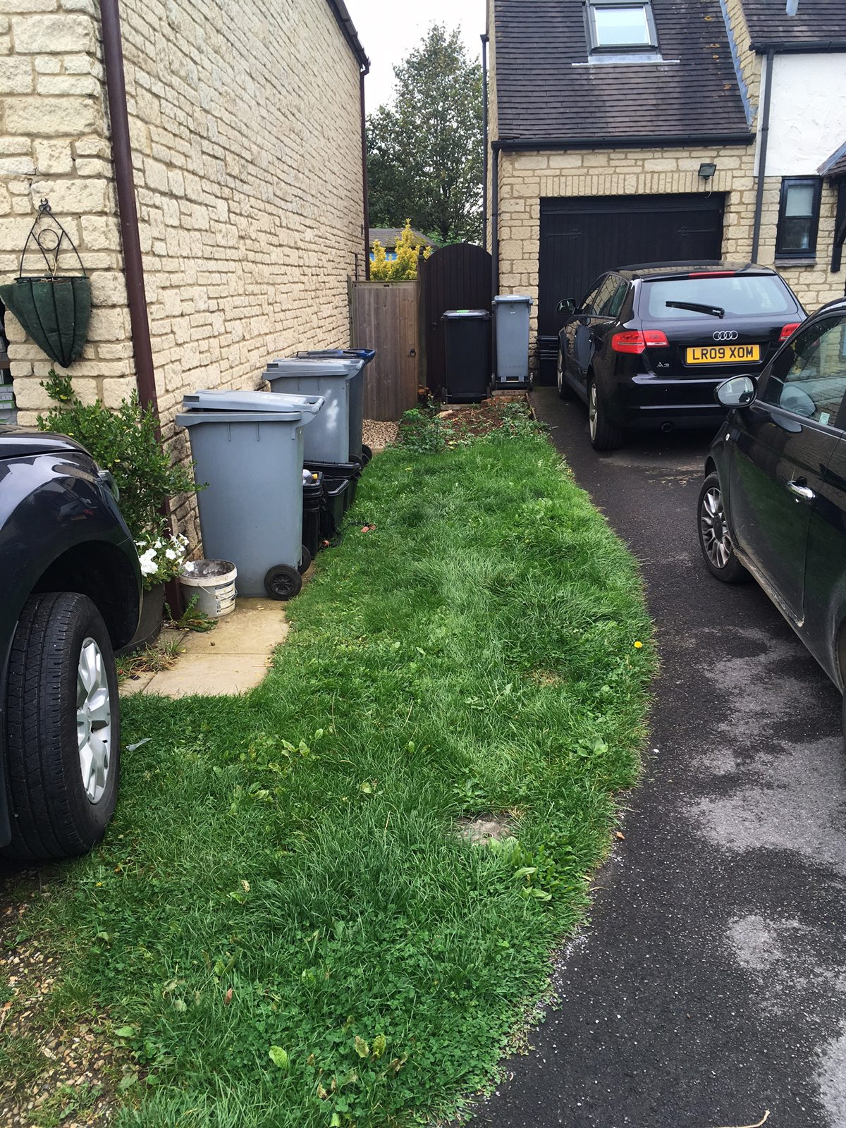 Gravel Driveway, New Driveways Oxford New Driveways Reading New Driveways Swindon New Driveways Newbury New Driveways Peterborough New Driveways Cardiff New Driveways North London New Driveways South London New Driveways Chiswick New Driveway High Wycombe