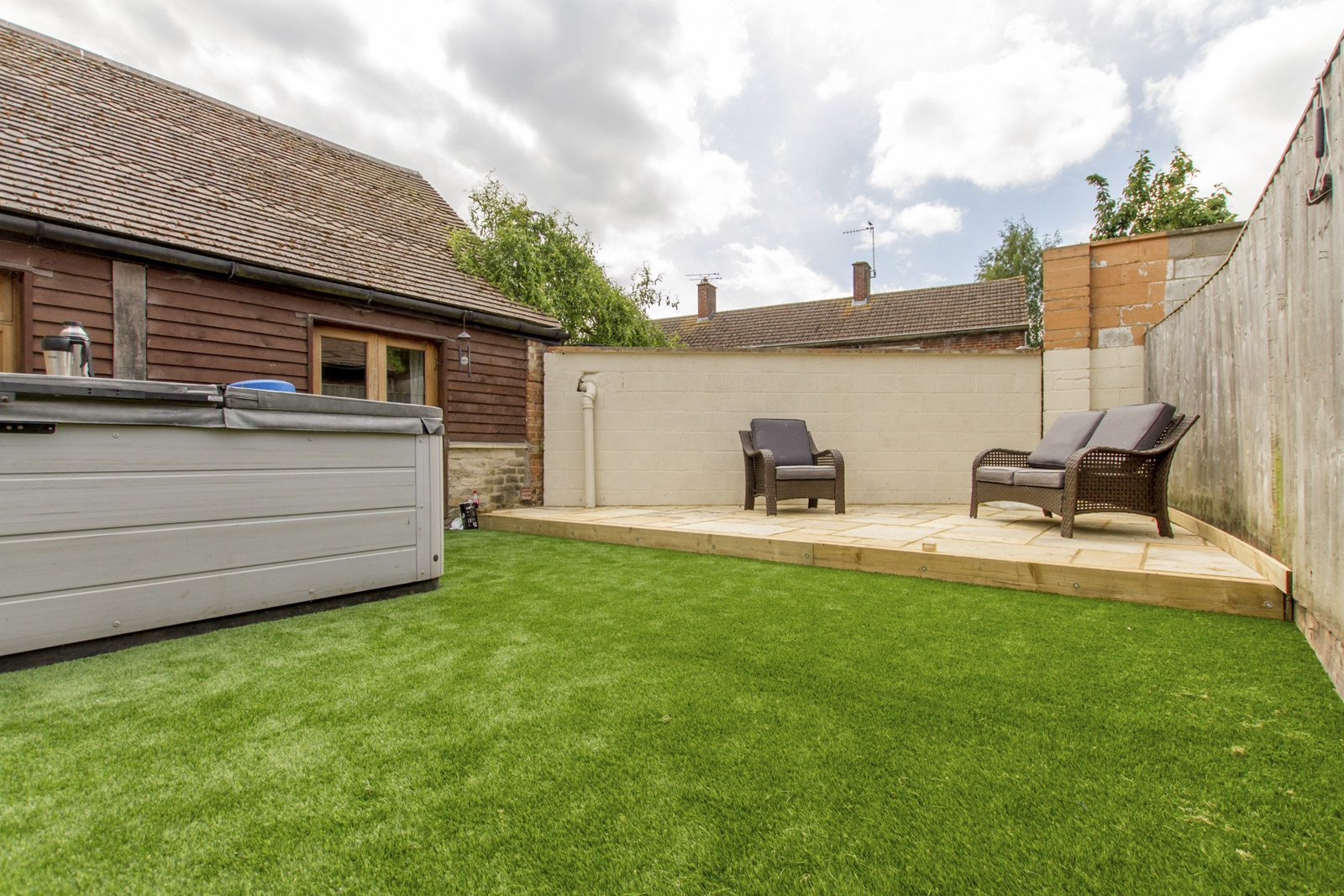 New Driveway Oxford, Artificial Grass